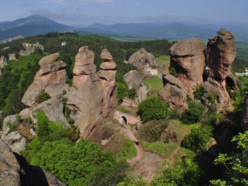 Белоградчишките скали пазят легендата за вкаменените монах и монахиня