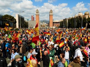 Арести и ранени по време на протест в Барселона