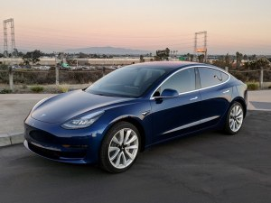 Tesla унижава BMW и Mercedes в Европа