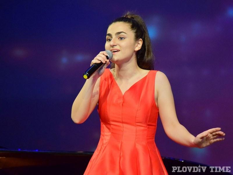 Португалските медии се влюбиха в пловдивска певица