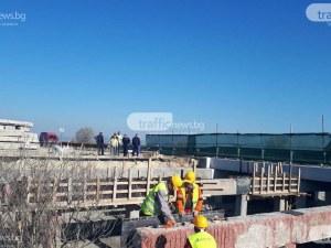 Автомобил направи огнена каскада на магистрала Тракия, водачът загина*