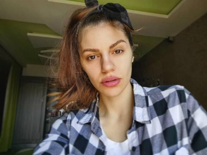 Михаела Филева без грим, обвиниха я, че има хиалурон в устните