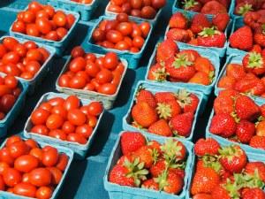 Гръцки домати, гръцки лук, гръцки ягоди… затриват с цени българските