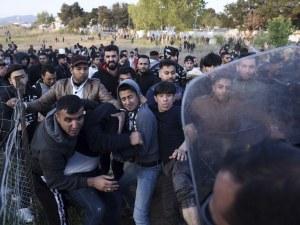 Мигранти към Македония – искат в Германия. Полиция е по петите им!