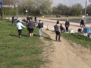 Смях и детски игри в Пловдив! Малчугани с увреждания посетиха града за пръв път