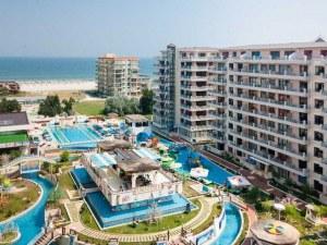 Бизнесът по морето ни търси: Богати туристи и летни бачкатори
