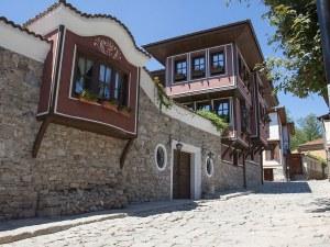 Източният вход на Стария град от днес вече е с бариера