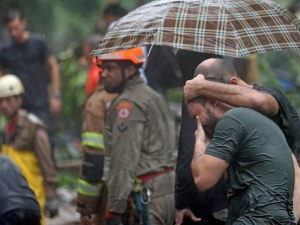 Бедствие в Рио де Жанейро! Най-малко 10 души са загинали