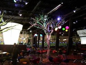 Стоманените дървета на Седларски никнат от Франция и Китай до София