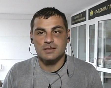 Битият мъж в Габрово: Направих им забележка, че се закачат с друг клиент, те ме нападнаха