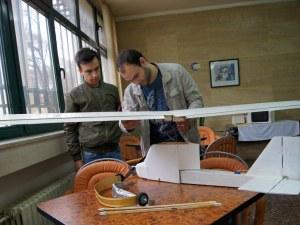 Двама студенти в Пловдив създават ултралек едноместен самолет - излита и каца навсякъде