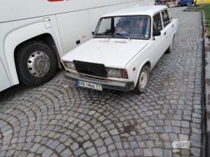Шофьорки заприщиха туристически паркинг в Пловдив, автобус маневрира половин час