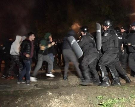 Наказват мудни полицаи в Габрово, арестували с 3 дни закъснение ромите биячи