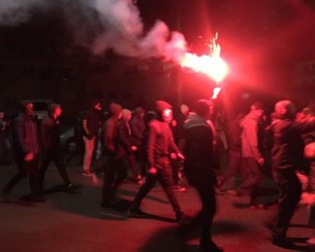 За трети пореден ден в Габрово протестират след сблъсъци и подпалени къщи вчера