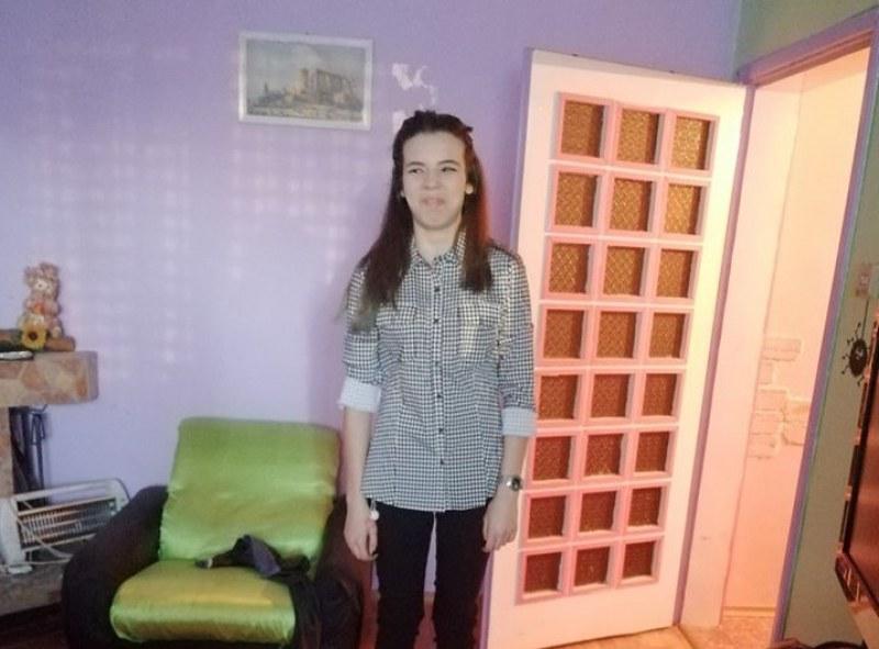 Търсят 16-годишната Зори. Излязла да изпрати приятелка до метрото и повече не я видели