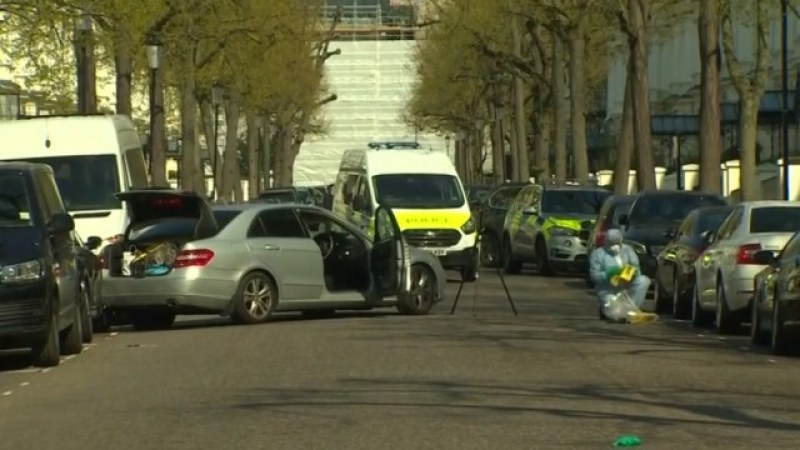 Шофьор се вряза нарочно в колата на украинския посланик в Лондон