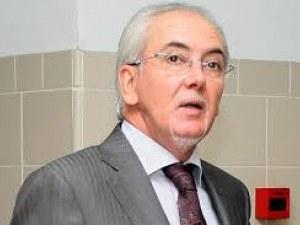 Лютви Местан е бил зад волана при кървавата катастрофа! Още е в болницата в Кърджали