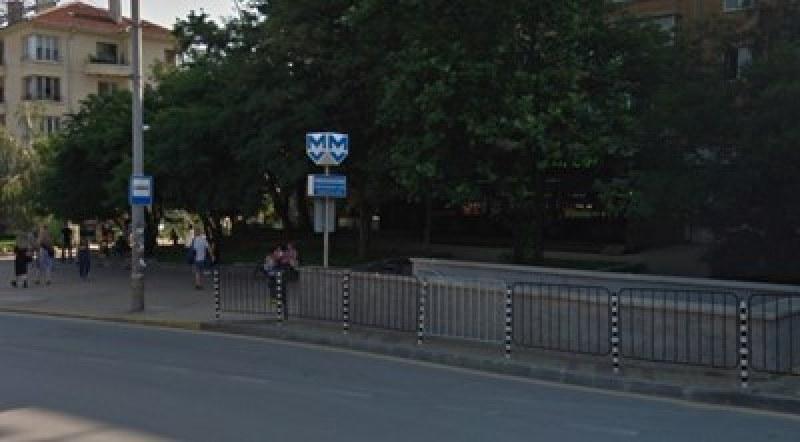 Спирка на столичното метро под блокада заради забравен багаж