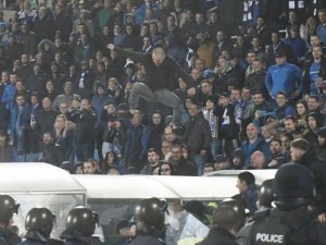 Леки наказания очакват Левски и Моци след цирковете на дербито