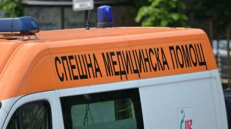 Врачански лекар премазан от кола на приятел, борят се за живота му