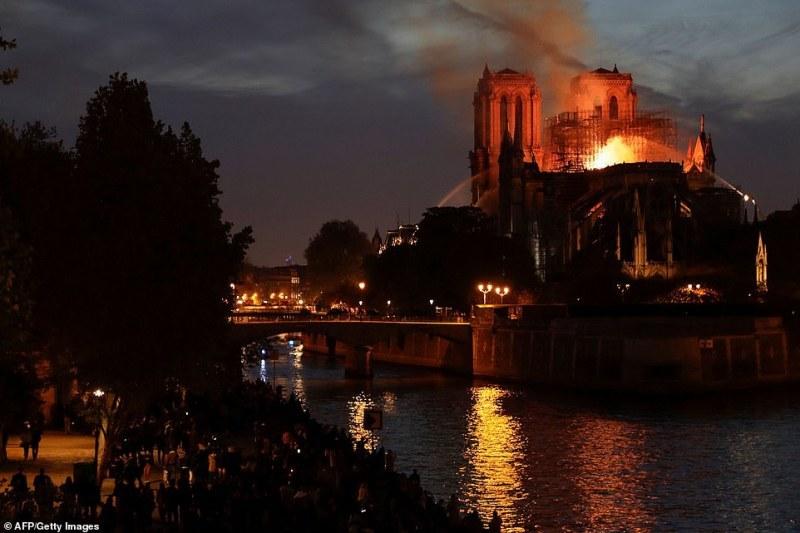 Божидар Чеков от Париж: Нотр Дам ще оживее отново, вече събраха над 500 милиона!