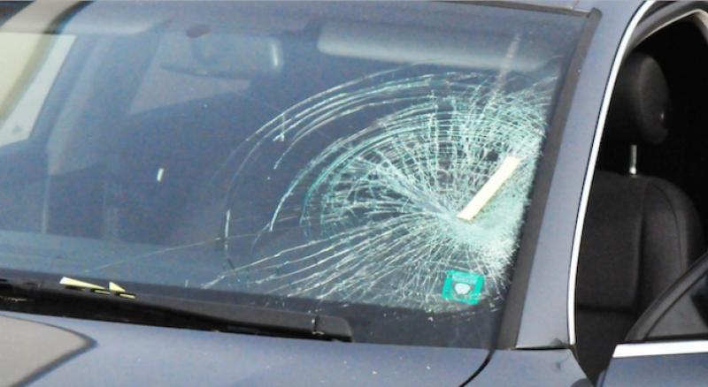 Отмъщение? Панагюрец потроши колата на 23-годишна жена