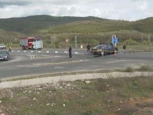 АПИ и експерти спорят смъртоносно ли е кръстовището, където се блъсна Местан