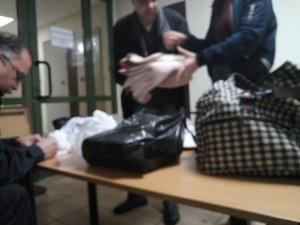Шпекът за 20 лева и липсата на шампоан разяриха привържениците на Иванчева! Готвят щафетна гладна стачка