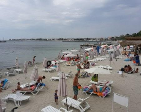 Прекратяват концесиите на два плажа на Равда