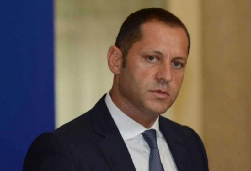 Къщата за гости с европари изяде главата на зам.-министър Манолев