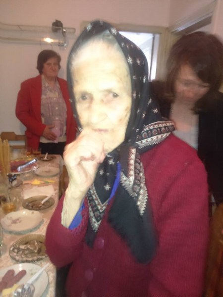 Малево се похвали с нова столетница, баба Стойка изкара на крак целия празник