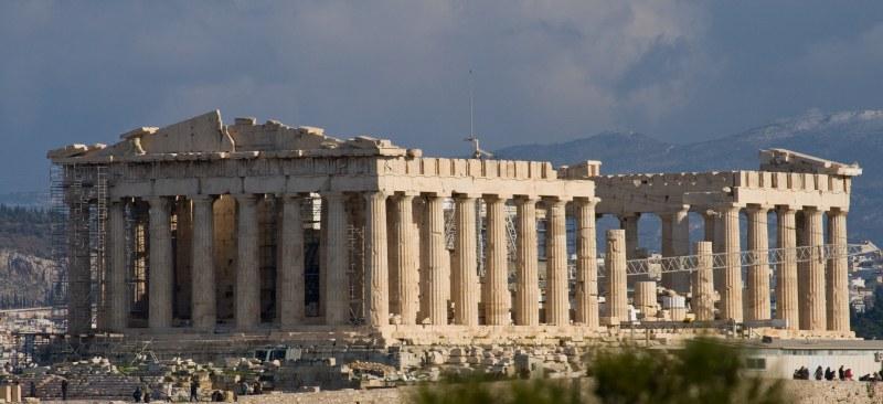 Мълния удари Акропола в Атина, четирима са ранени