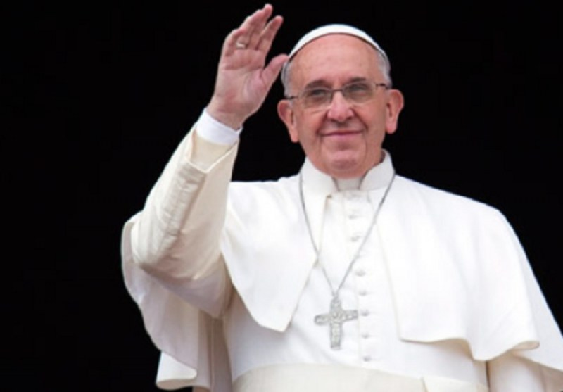 Пускат 7 000 души на площада в София за литургията на папата