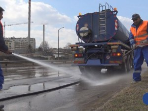 Чистят улиците на Пловдив по график! Машини ще минат през всички квартали