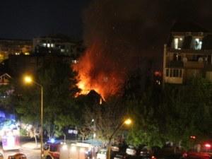 Среднощен пожар в сграда с клошари в Русе отне живот