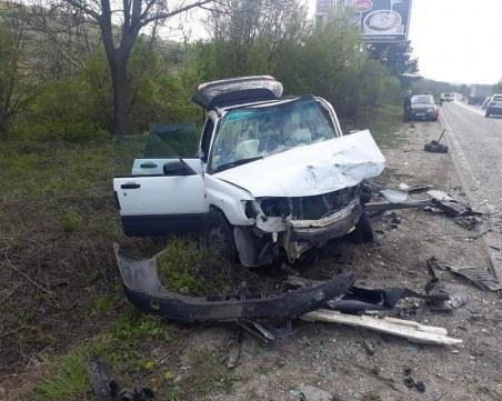 48-годишен е в реанимация след тежката верижна катастрофа край Ново село
