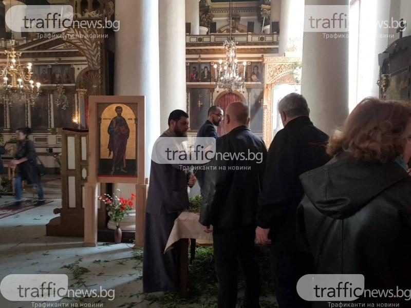 Пловдивчани препълниха църквите навръх Цветница