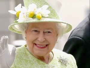 Навръх Цветница кралица Елизабет стана на 93 години