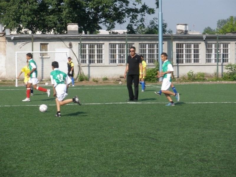 Търсят футболни звезди в Столипиново