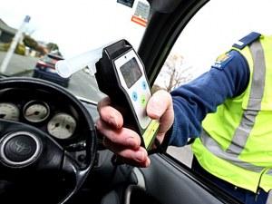 Пиян полицай предизвика катастрофа на пътя Пловдив- Карлово, по чудо без пострадали