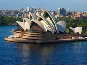 Евакуираха стотици в операта в Сидни заради изтичане на газ