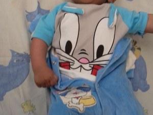 Изоставиха бебе на паркинг в Пловдив! Издирват майката
