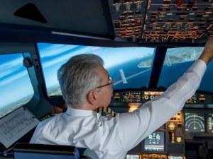 Мним пилот си джитка 20 години из небето, докато го спипаха, че… не може да пилотира