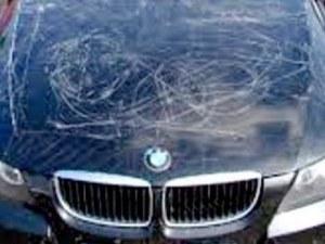 Потрошиха БМВ-то на 23-годишен шофьор в центъра на Пловдив