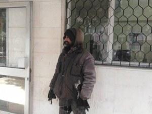 Справедливост! 7 дни на топло за клошаря, нападнал и удрял слепец в Пловдив