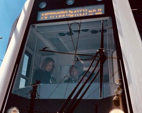 Срещу самоубийци: Слагат прегради по пероните на старите метростанции