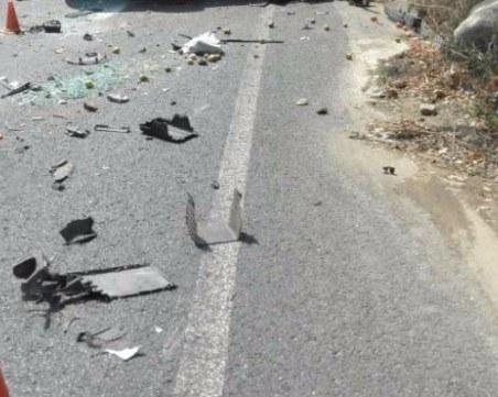 Тир застигна и блъсна кола отзад, 39-годишна жена е ранена