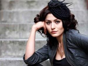 4 жени съдят турската актриса Дениз Чакър за обида