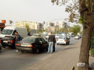 Патрулка препречи пътя на кола по булевард в Пловдив! Задържаха шофьора след обиск