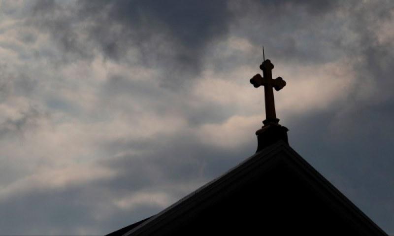 120 свещенеци от Ню Йорк блудствали с деца